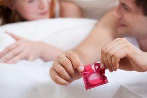 Quan hệ tình dục sử dụng bao cao su