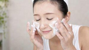 6.Cách làm trắng da mặt nhanh nhất trong 1 đêm với sữa chua