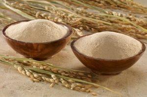 Cách trị mụn ẩn và thâm với cám gạo