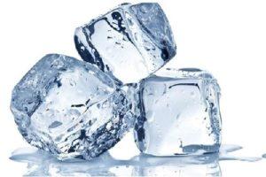 Cách chữa mụn nhọn ở mông đơn giản với đá lạnh