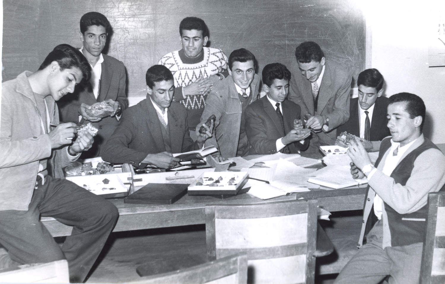 An image of classmates at the University of Baghdad in the 1960s as submitted to the Iraqi Photo Archive.