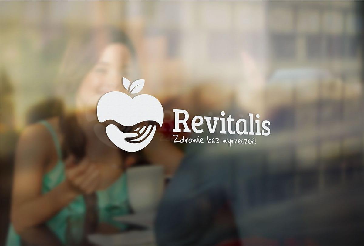 Projekt logo firmowe Revitalis Zdrowie bez wyrzeczeń na szybie