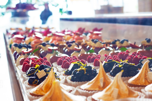 The paradox of temptation bundling