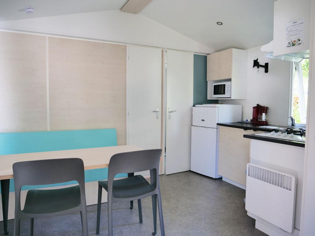 intérieur du mobilhome loggia 2 chambres au camping 4 étoiles dans le Lot