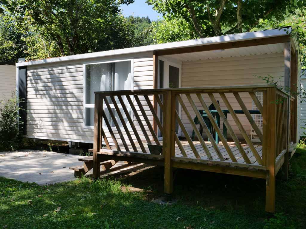 Location mobilhome loggia 2 chambres au camping Bretenoux dans le Lot