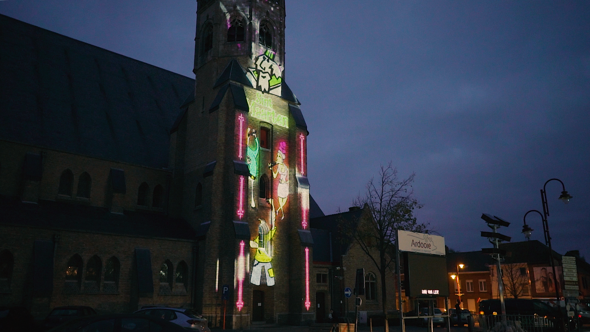 Videomapping projectie Sint-Martinuskerk Ardooie ter gelegenheid van Sint-Maartensstoet