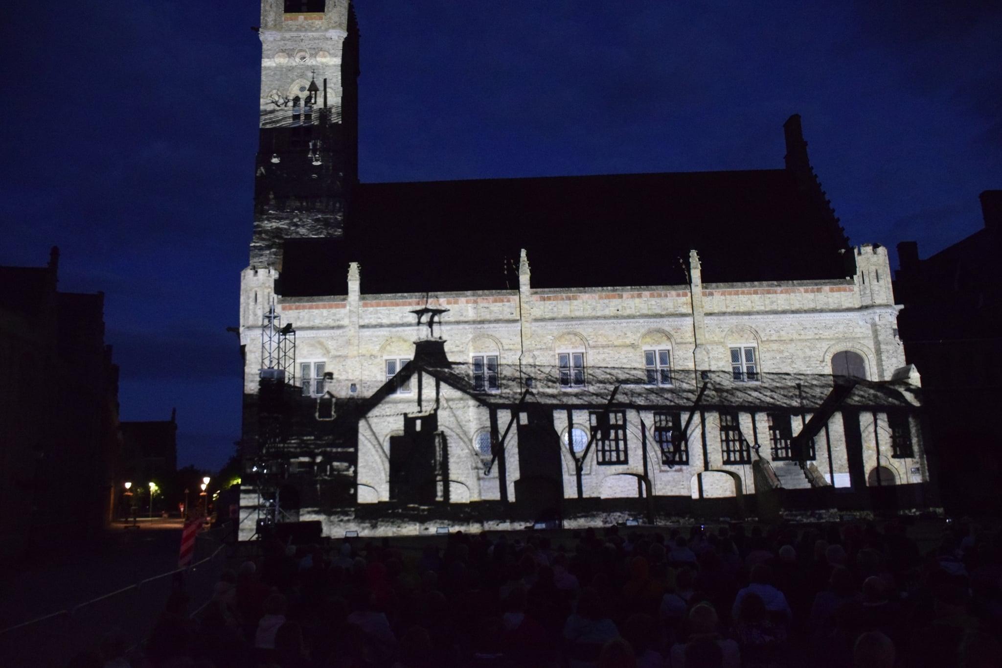 Videomapping historische beelden - Stadshal nieuwpoort