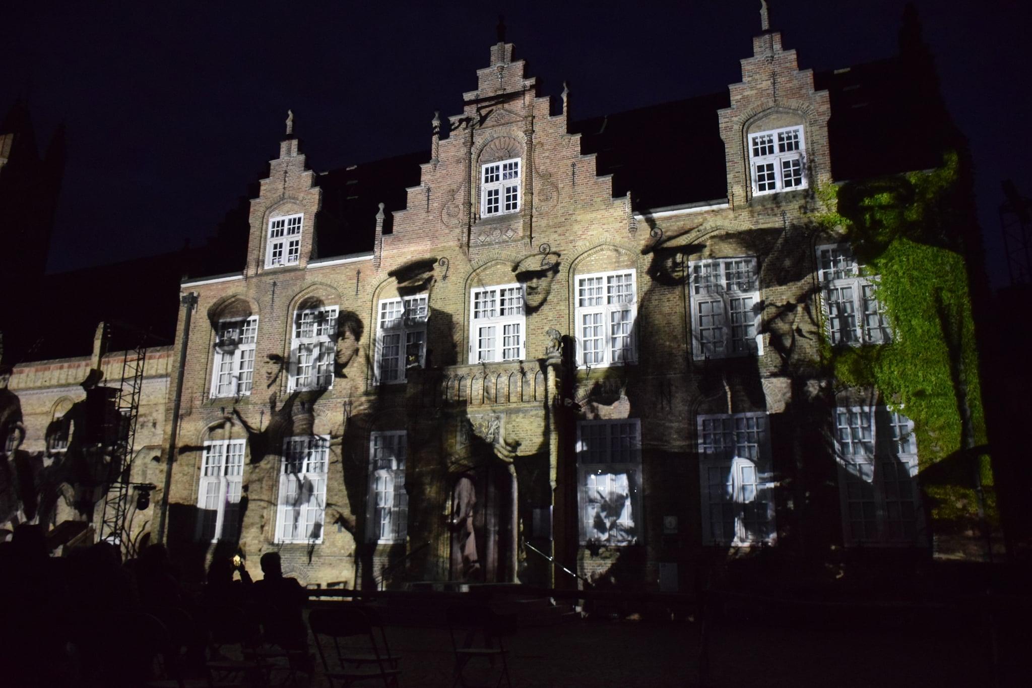Videomapping historische beelden - Stadhuis Nieuwpoort