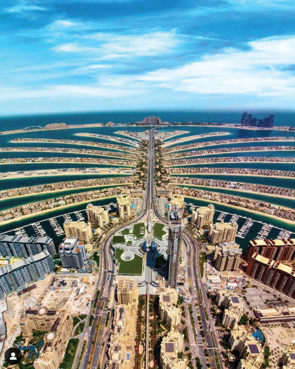 looking down the centre of the palm Dubai from a high altitude.