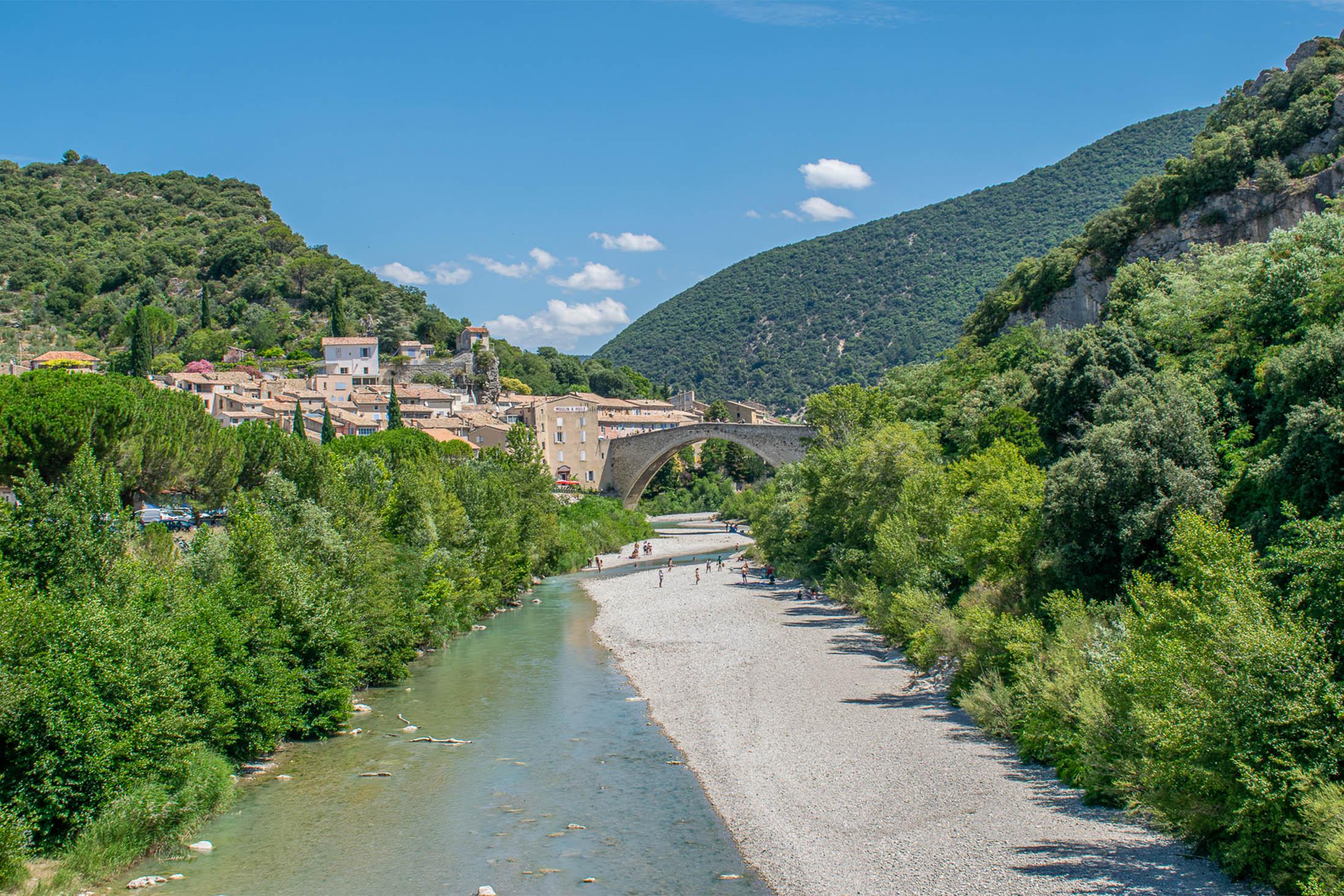 Que faire en Drôme Provençale ? Les 5 plus beaux villages à ne pas manquer