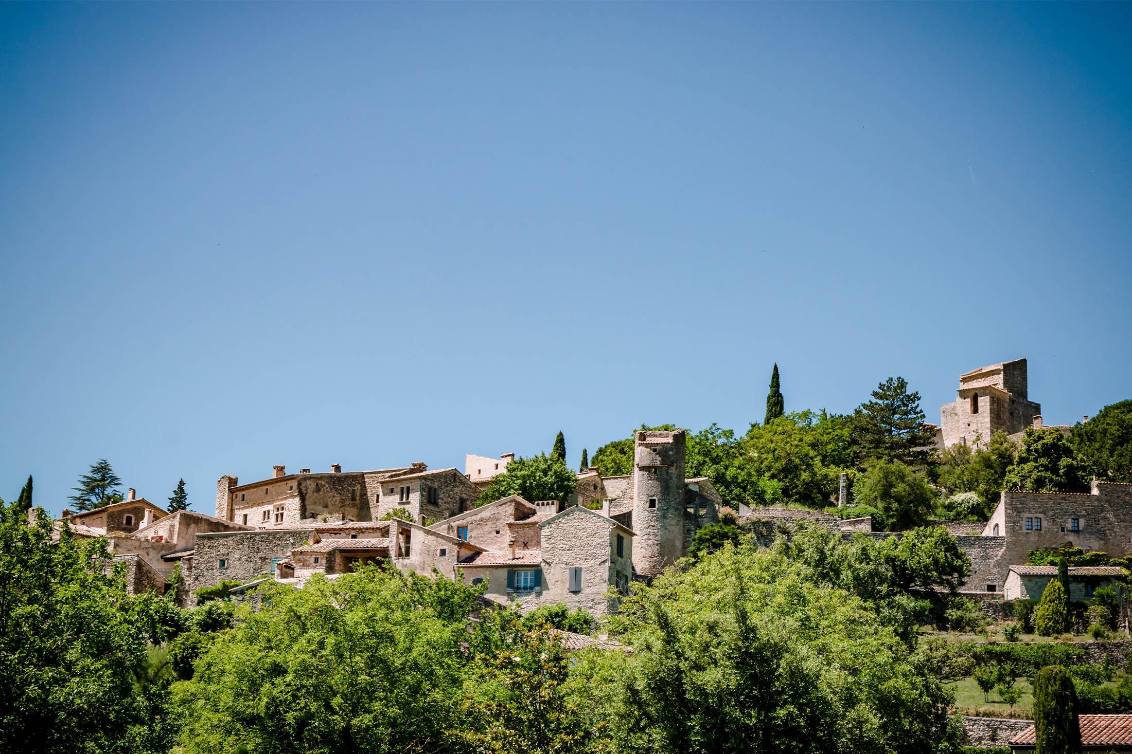 Village du Poët-Laval en Drôme Provençale