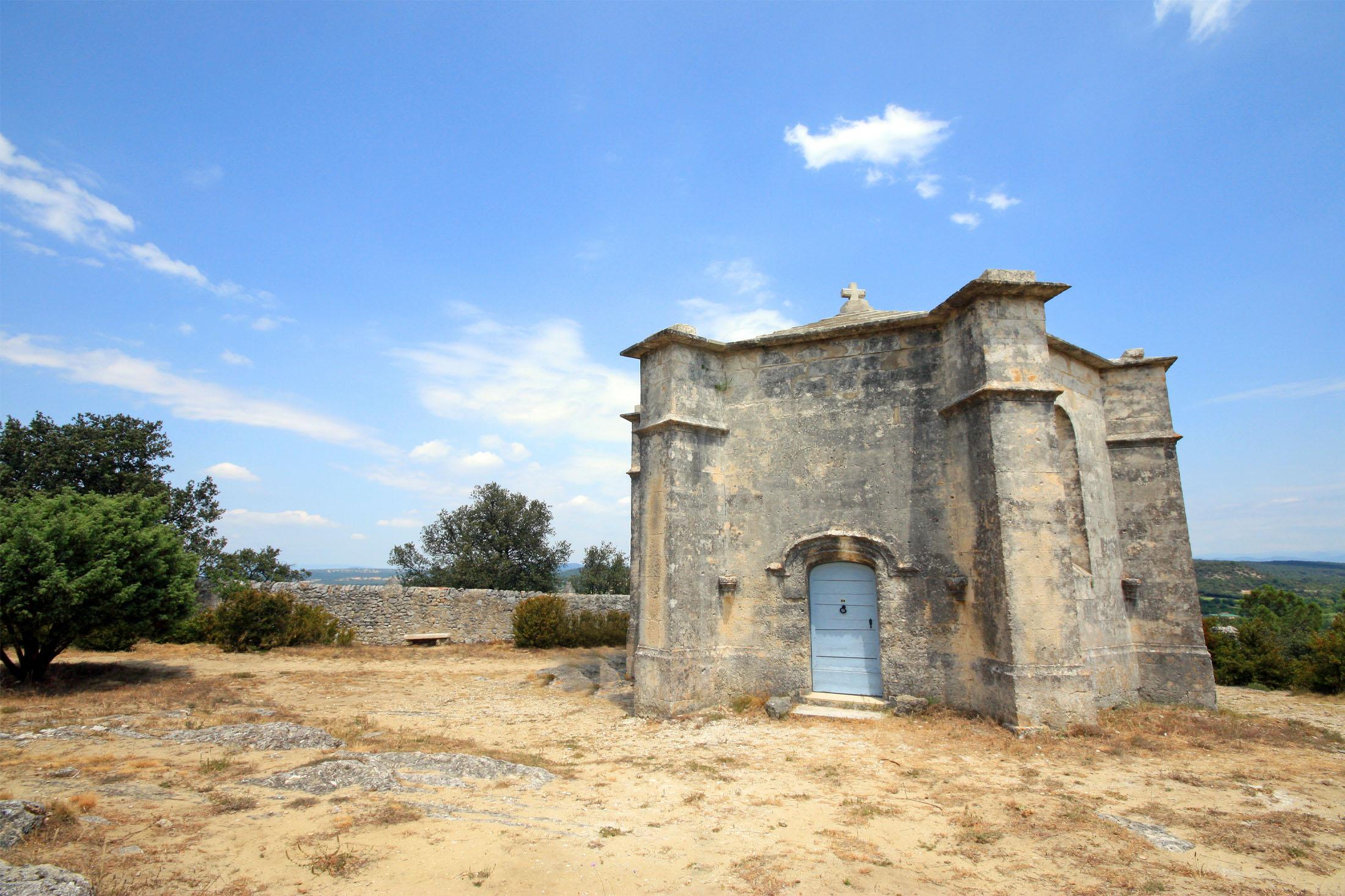 Village de Saint-Restitut en Drôme Provençale