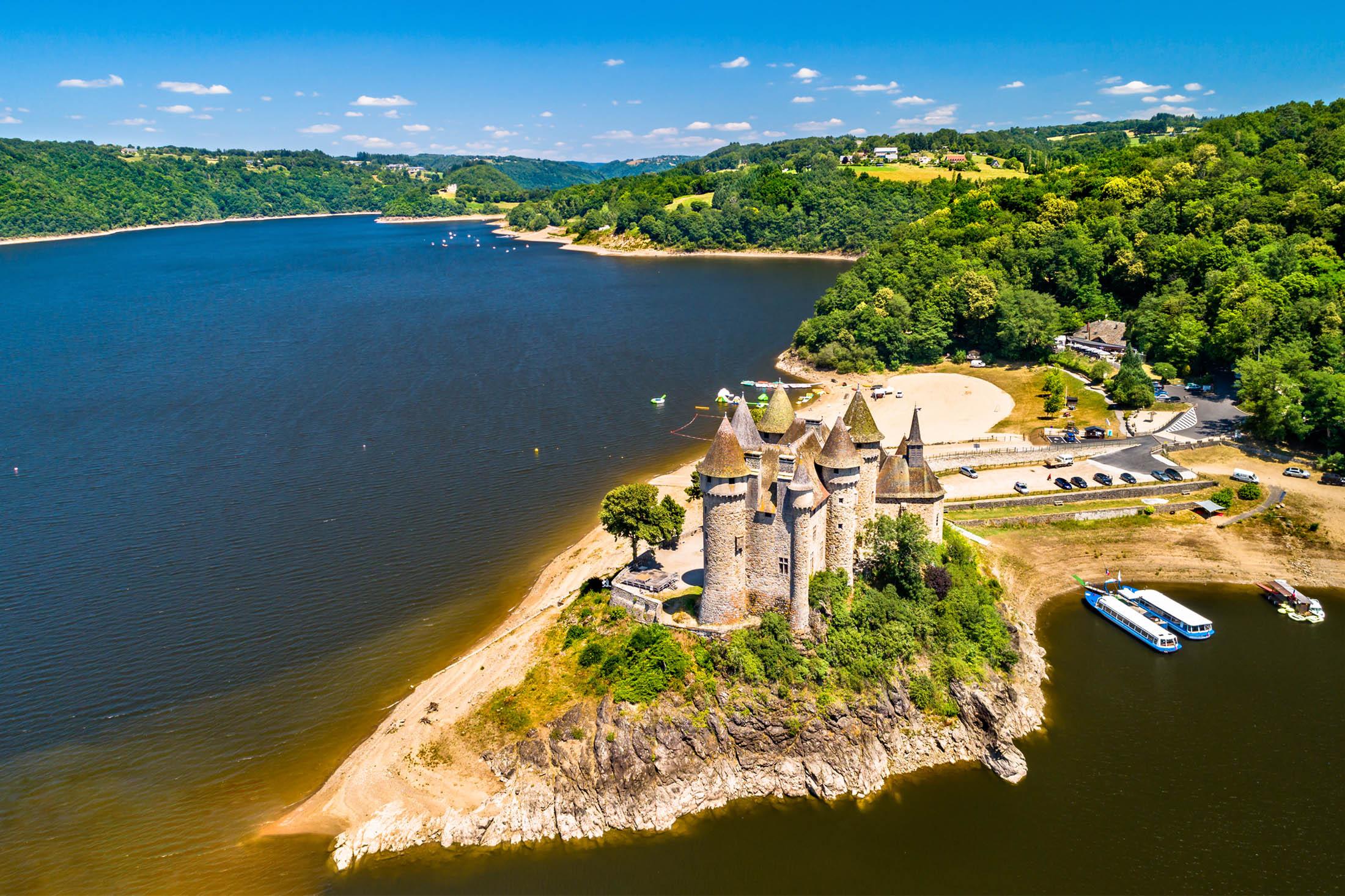 Les 10 plus beaux châteaux à visiter en Auvergne-Rhône-Alpes
