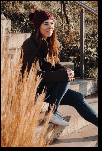 Melanie Lindemann Portait auf Treppe