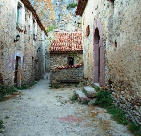 vicoli borgo medievale san severino di centola