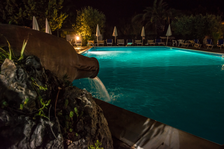 Piscina di notte a Palinuro
