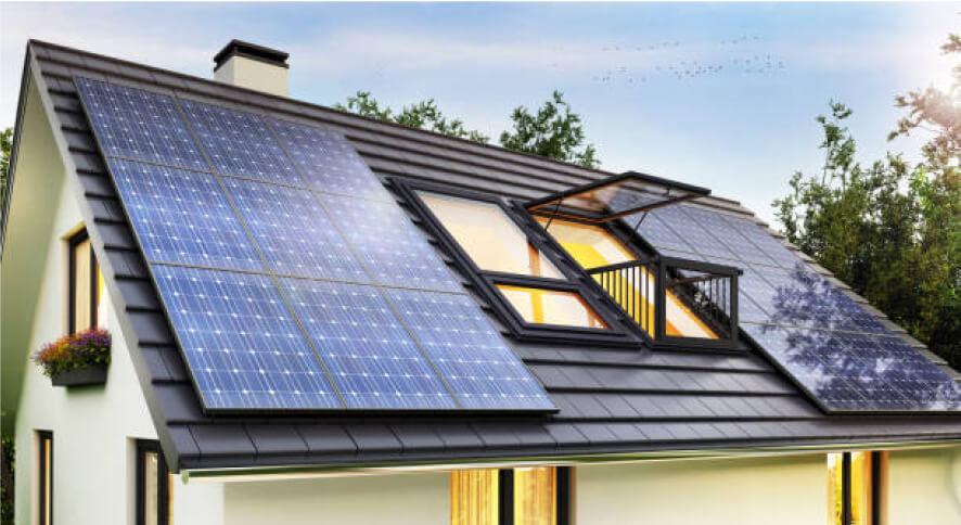 Instalacja fotowoltaiczna na dachu domu jednorodzinnego Ineron
