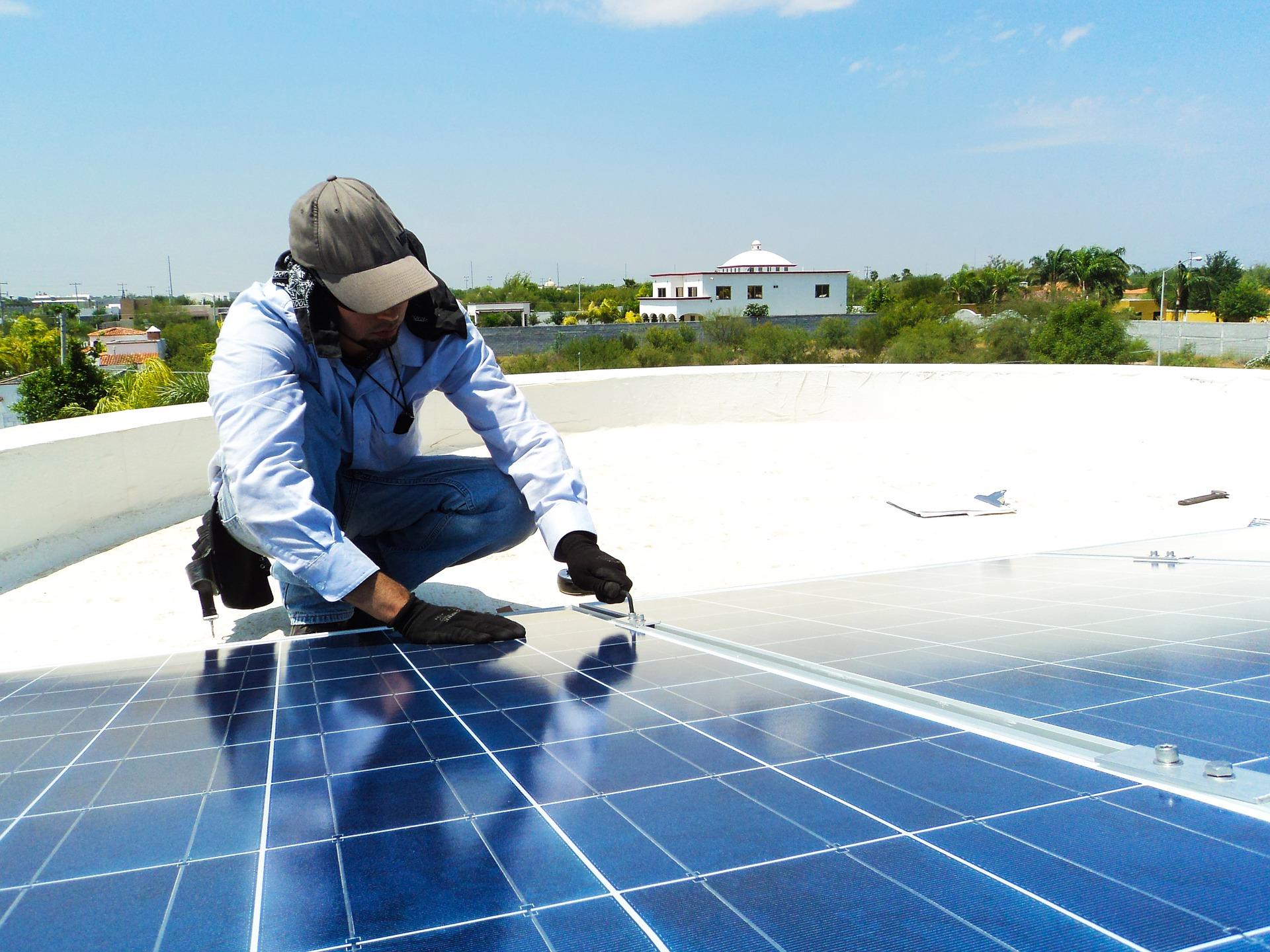 Co się dzieje z nadmiarem energii z instalacji fotowoltaicznych?