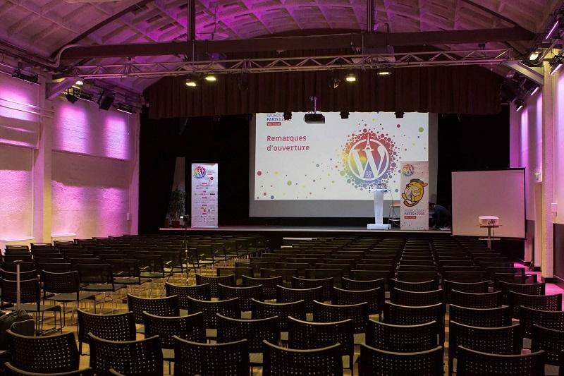 Empty hall at WordCamp Paris 2018