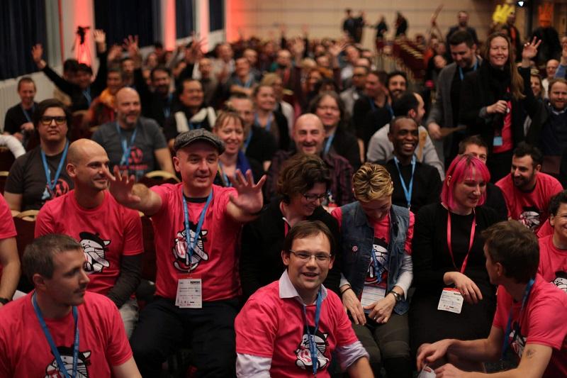 Attendees and volunteers at WordCamp Paris 2016