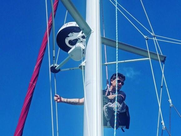 Instalando o roteador WiFi a uma altura de 10 m no mastro