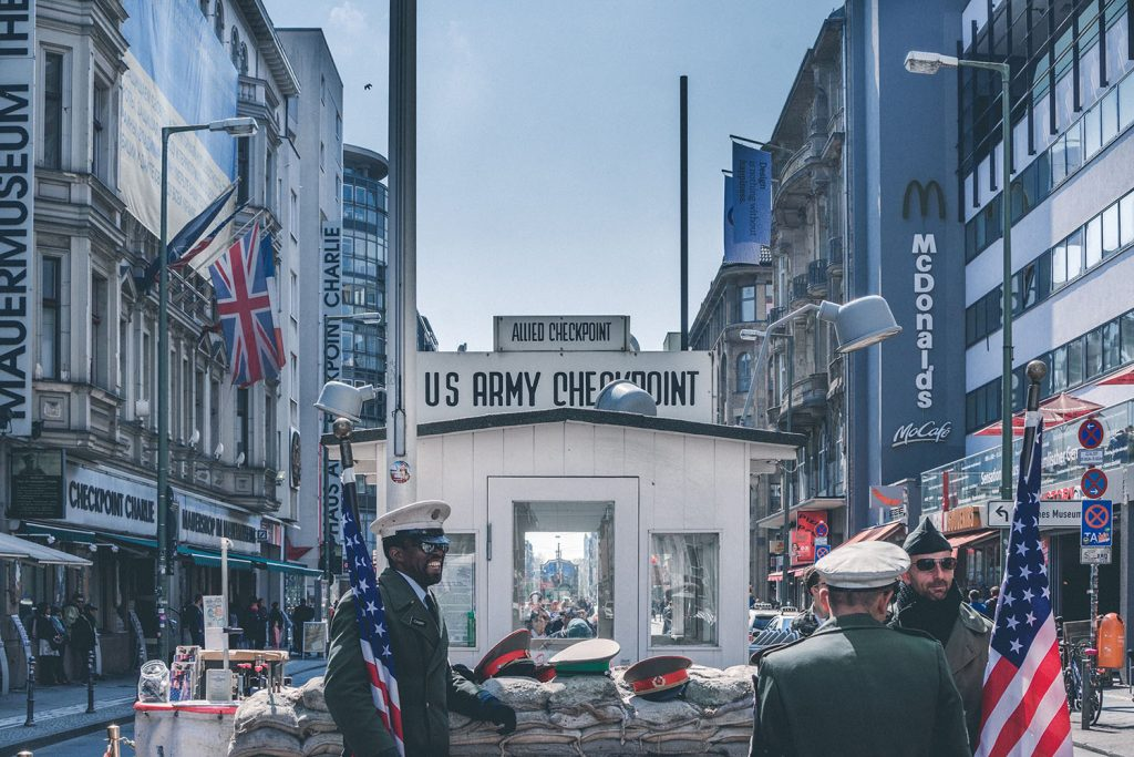 This image has an empty alt attribute; its file name is checkpoint-charlie-1024x683.jpg