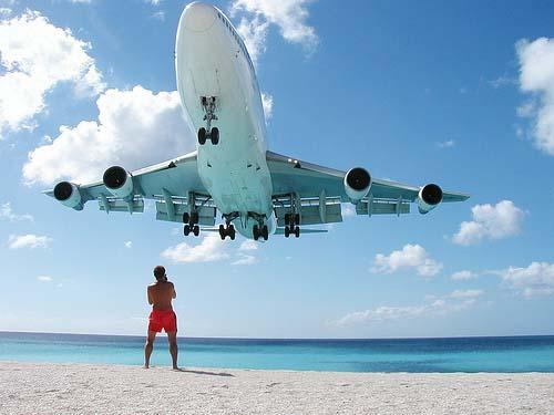 Maho-Beach-St.-Maarten-Great-Aircraft-Spotting