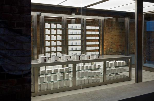 grown alchemist opens first flagship retail lab