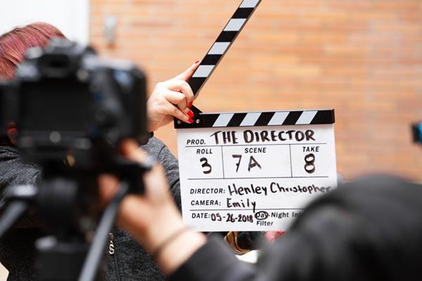 Regissören styr oftast över valet av kamera