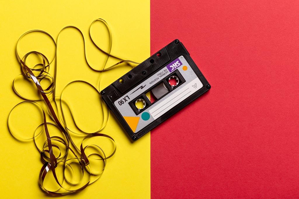 Det finns massor med olika sätt att hitta musik till sin reklamfilm