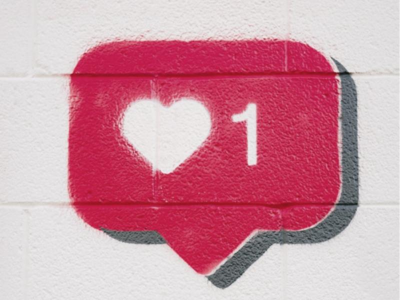 Die Grundlage für eine langfristig erfolgreiche Marke, ein langfrsitig erfolgreiches Unternehmen. Schaffen Sie Bekanntheit / Steigern Sie den Wert Ihrer Marke / Festigen Sie Ihr Image / Unterstreichen Sie Authenzität und Werte / Schaffen Sie Vertrauen und Wiedererkennung /Zeigen Sie Profil /Alleinstellungsmerkmal und Emotionen / Verleihen Sie Ihrer Marke einen Charakter. Sowohl im B2C als auch im B2B Bereich.