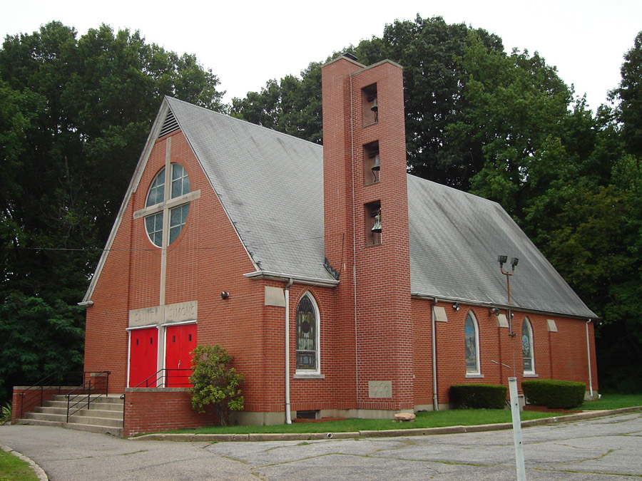 The site of the former St. Simon's Episcopal Church in Staten Island is now the future home of 19 single family homes.