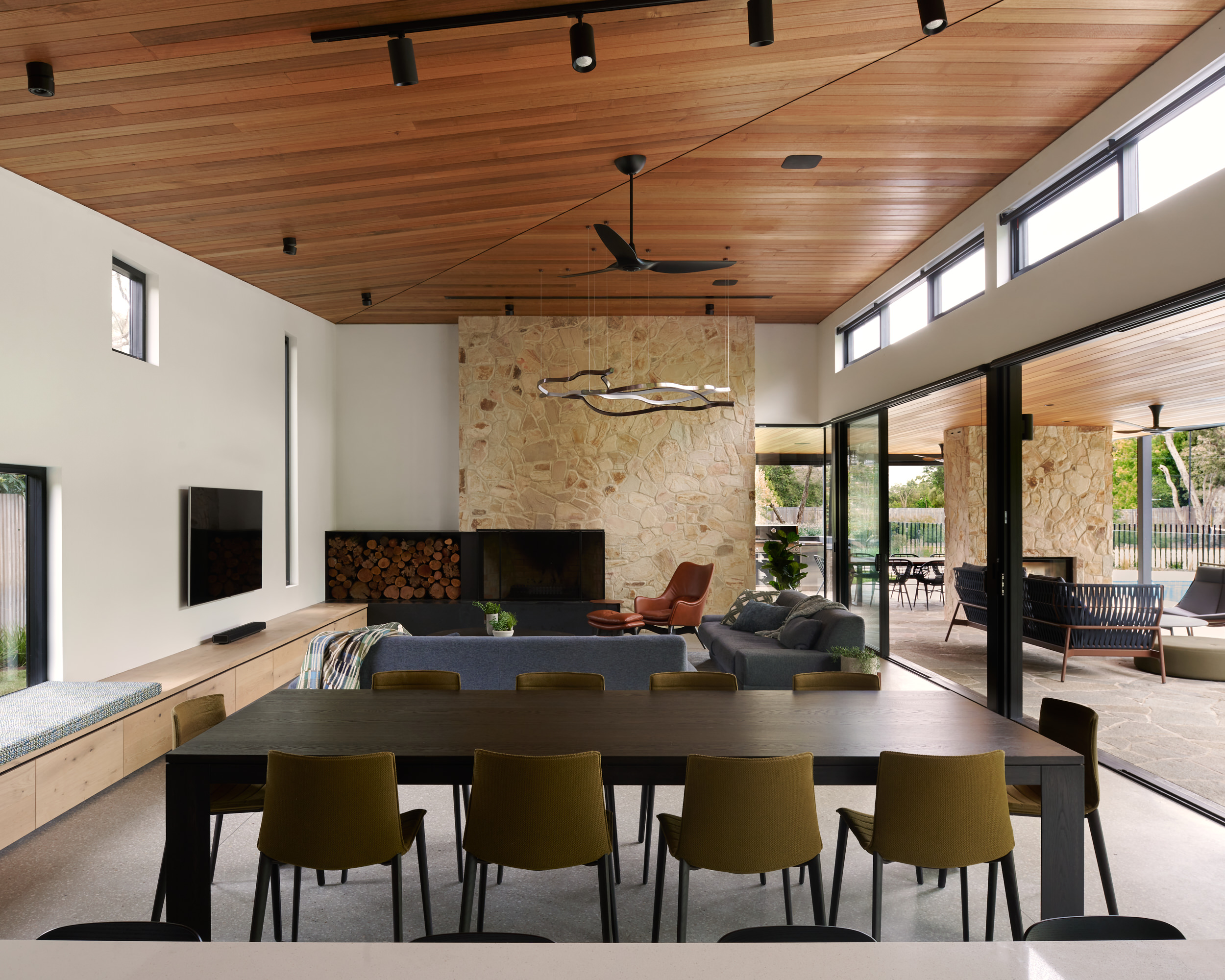Whitecliff Residence is a residential project whose architecture and interiors are designed by Ascui & Co