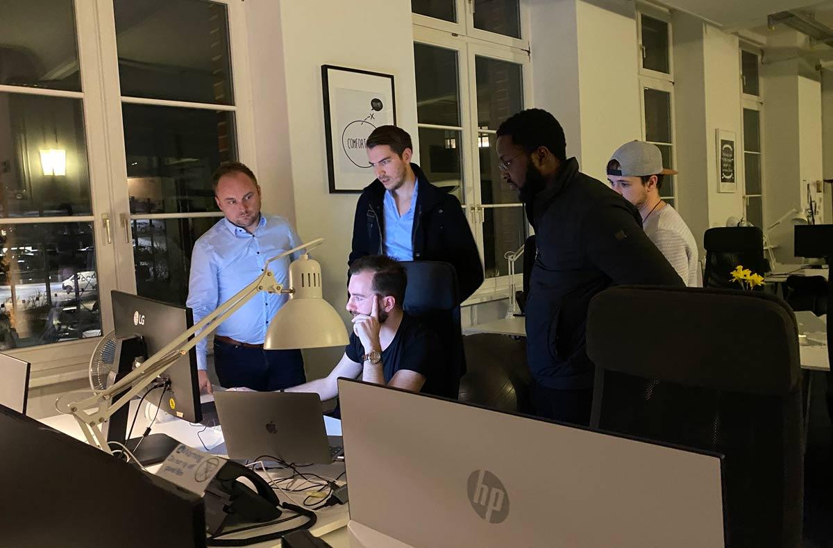 Ein Teamfoto der Fastlane Marketing GmbH.