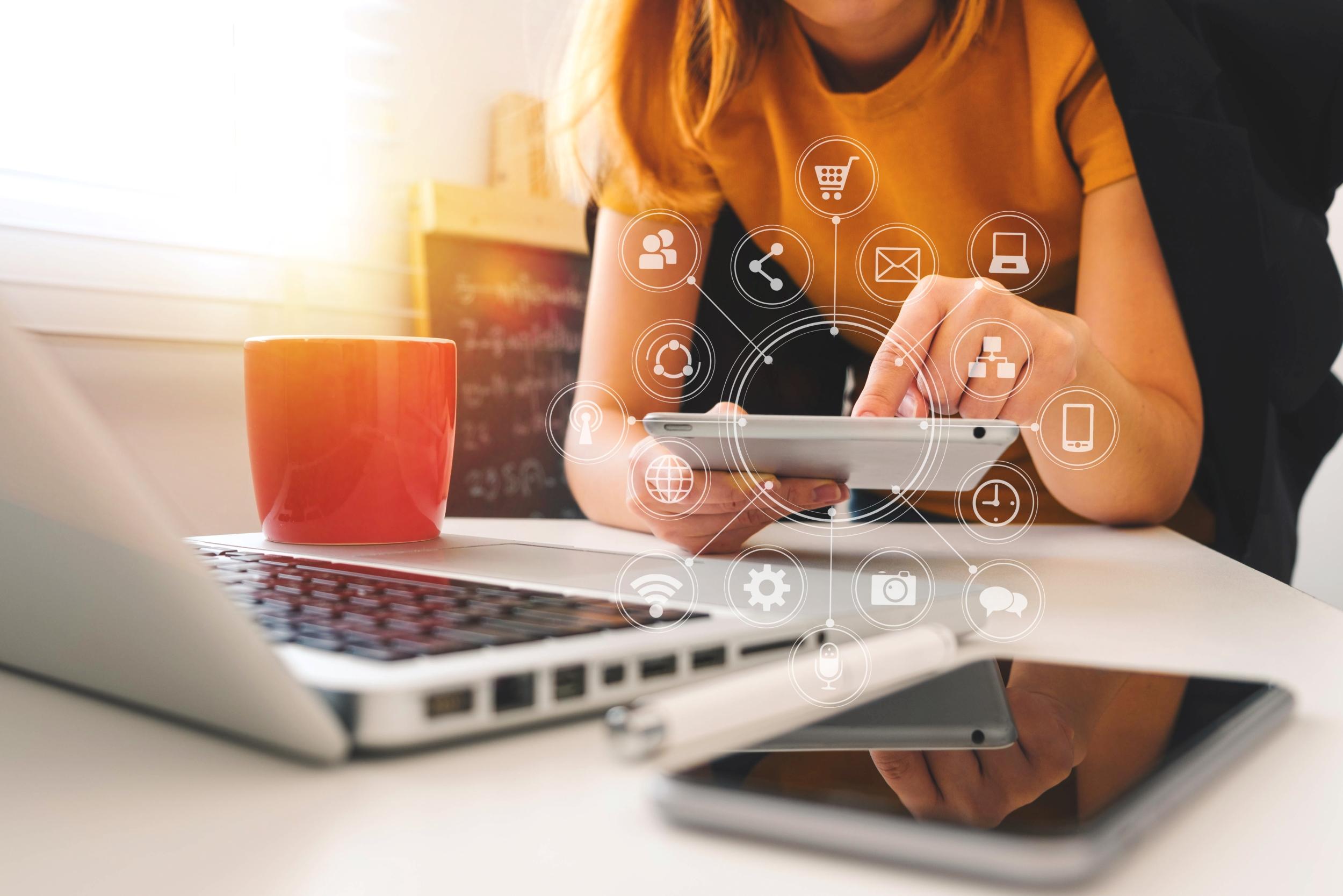 An entrepreneur works on her omnichannel order management system
