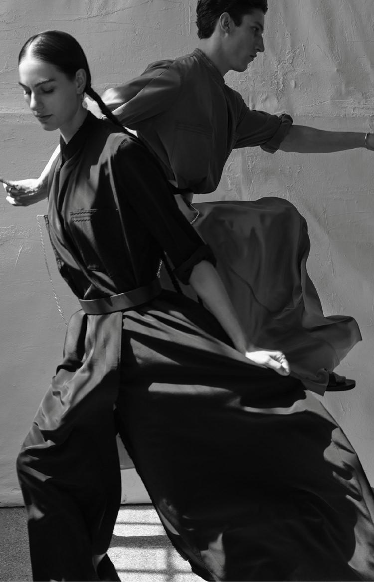 black and white photography models movement caravana