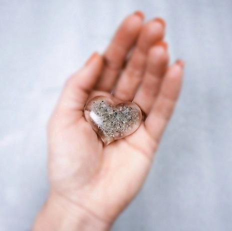 Tuhkapöytäkoru sydän(pieni)