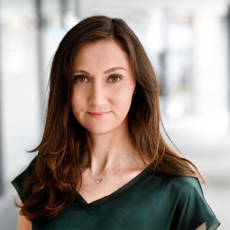 Dr. Marianne Mertens