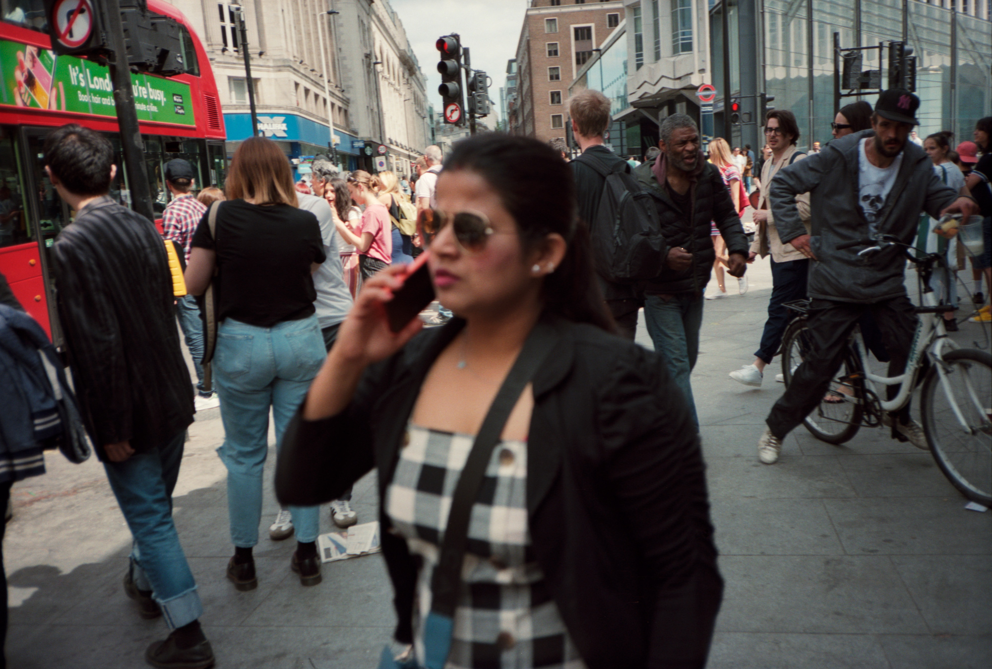 Suspected Muggings, Rush hour London, Observations Series, Photography by ioannis Koussertari