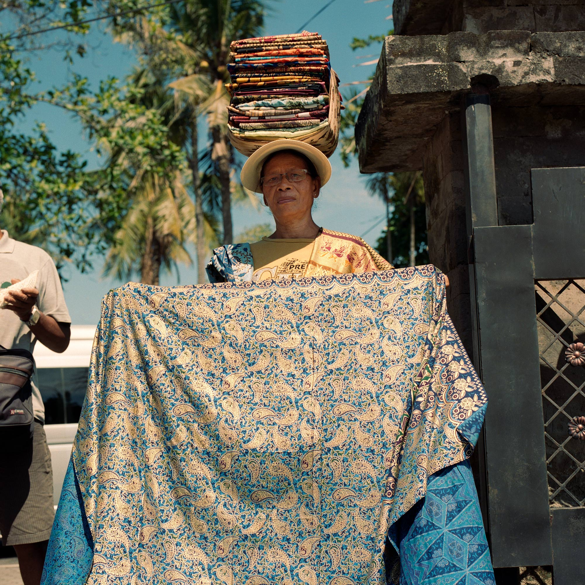 Bali Woman Selling Batik Fabrics, Jalan Raya, Ubud, Eastern Travels, Photography by Ioannis Koussertari