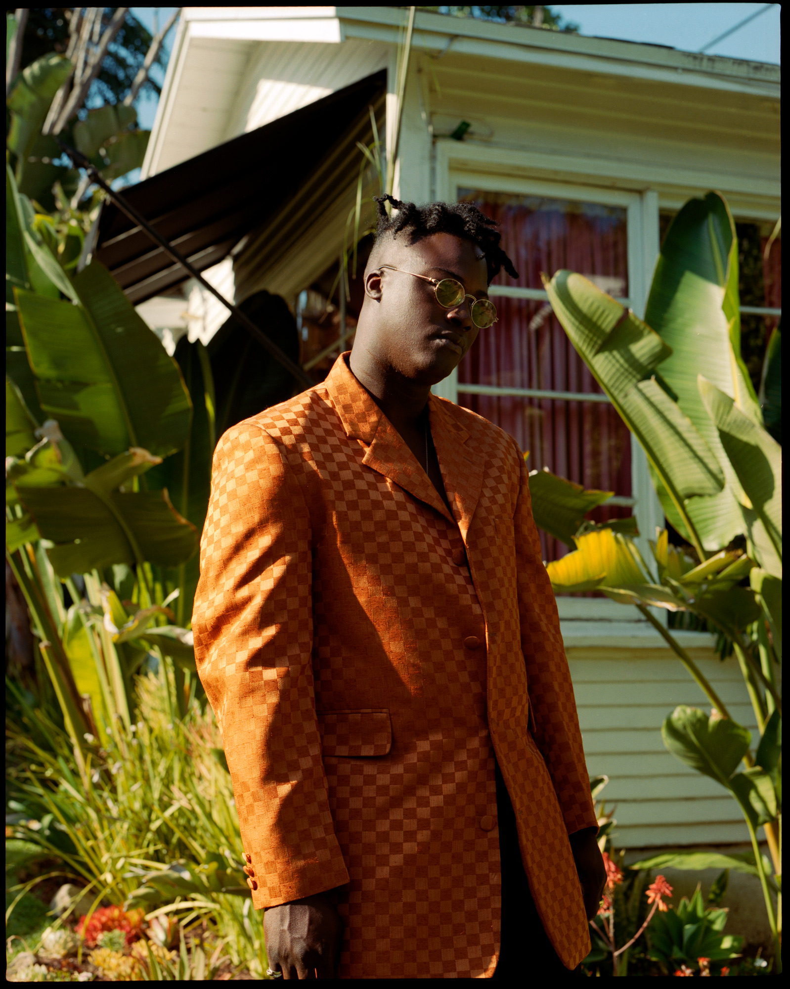 Bipolar Sunshine, singer at his garden in Los Angeles 2017.