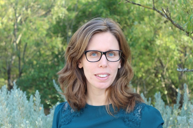 Conversa com autora d'O Clube dos Cientistas e Sessão de Autógrafos