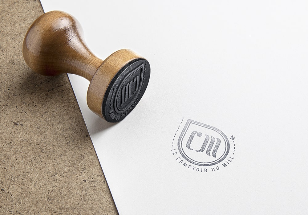 Naöms communication albertville le comptoir du miel morzine abeille logo identité visuelle charte graphique