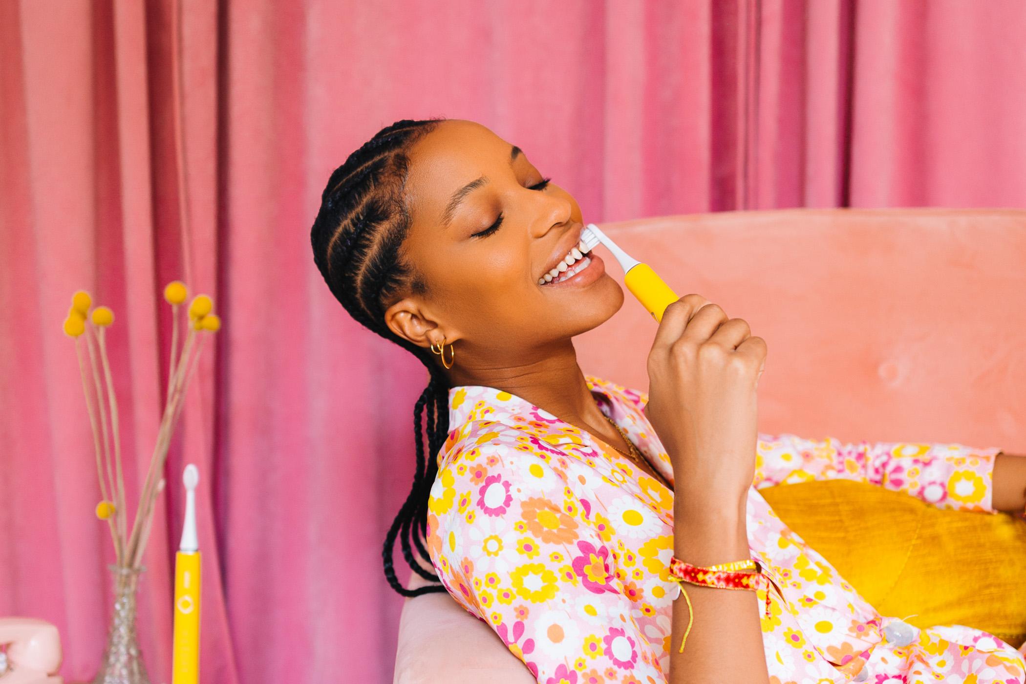 yellow bruush electric toothbrush teeth whitening