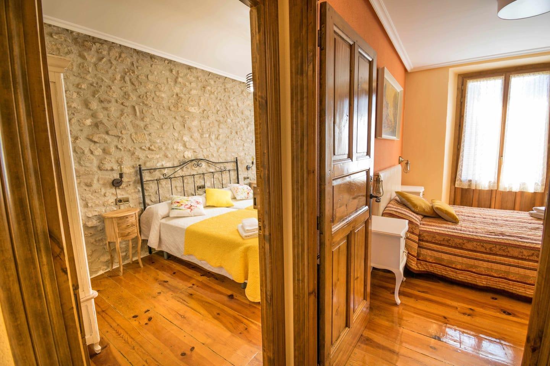 Habitaciones dobles casa Ronda del Castillo (Olite)