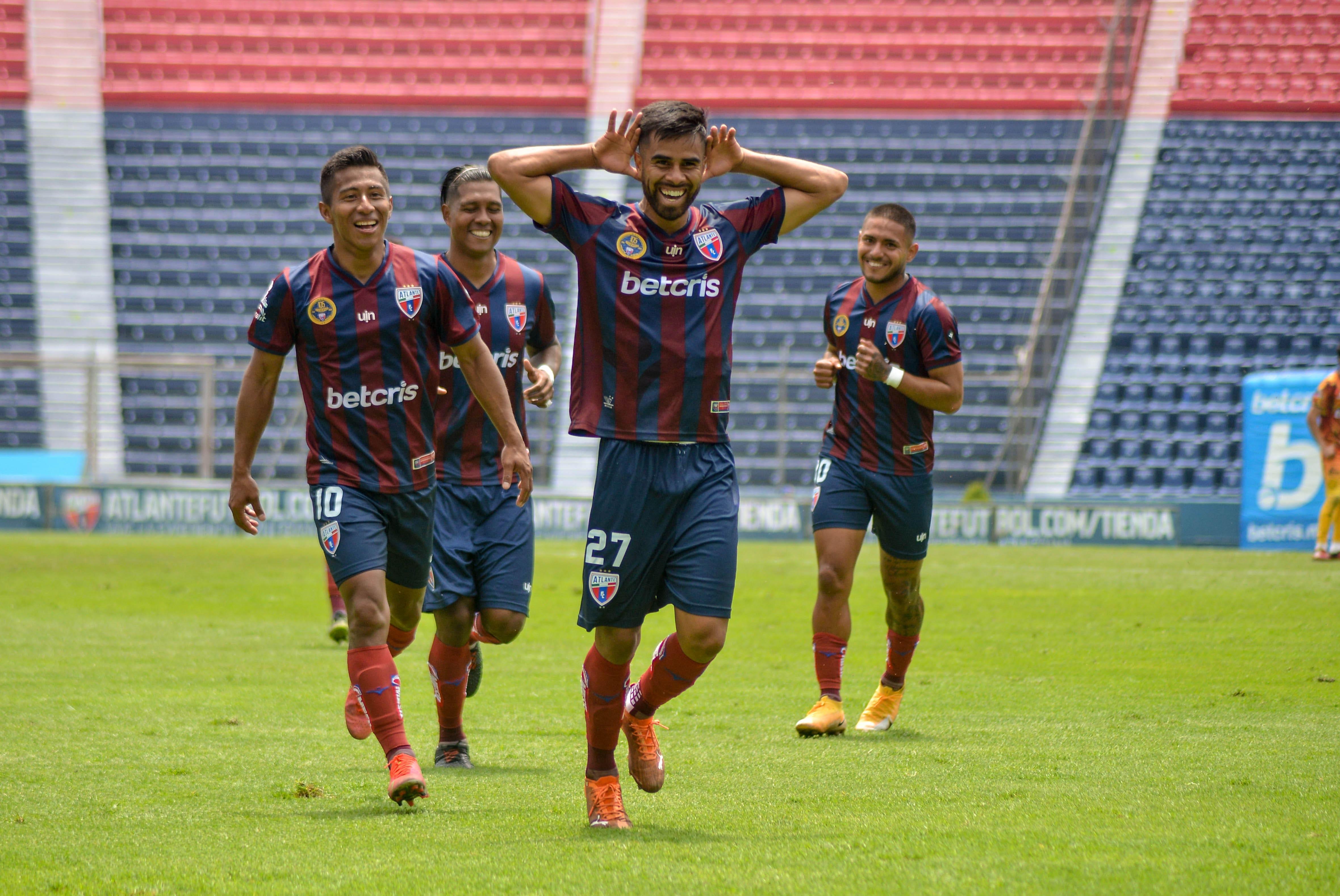 Los Potros vencen 2 goles por 0 a Leones Negros desde el Estadio Ciudad de los Deportes