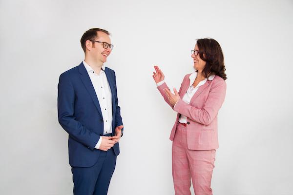 Steuerberaterin Ursula Ill und Anwalt