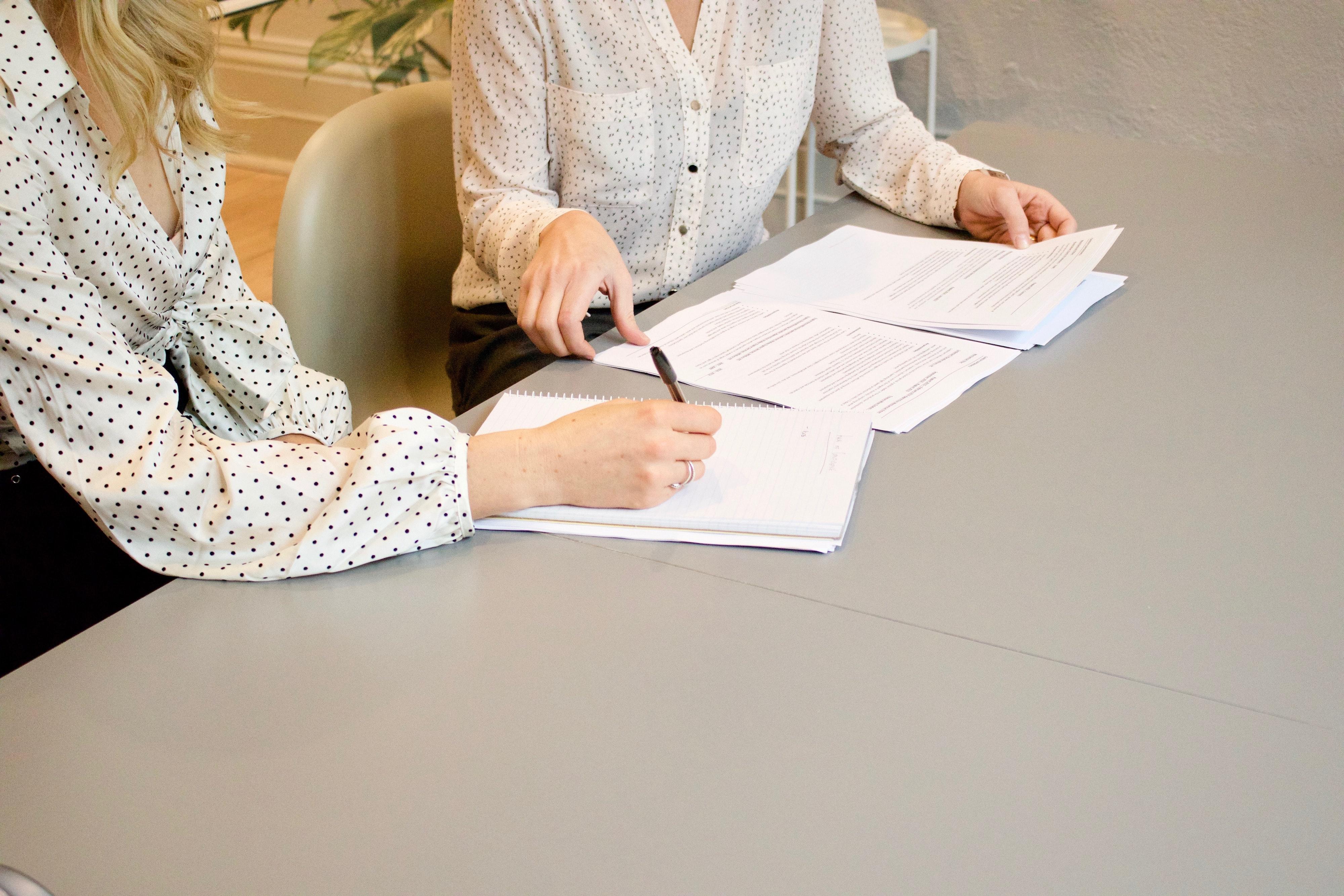 Should an employer give an employee a written contract?