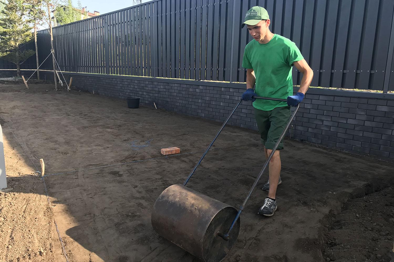 Укатывание грунта (земляные работы)