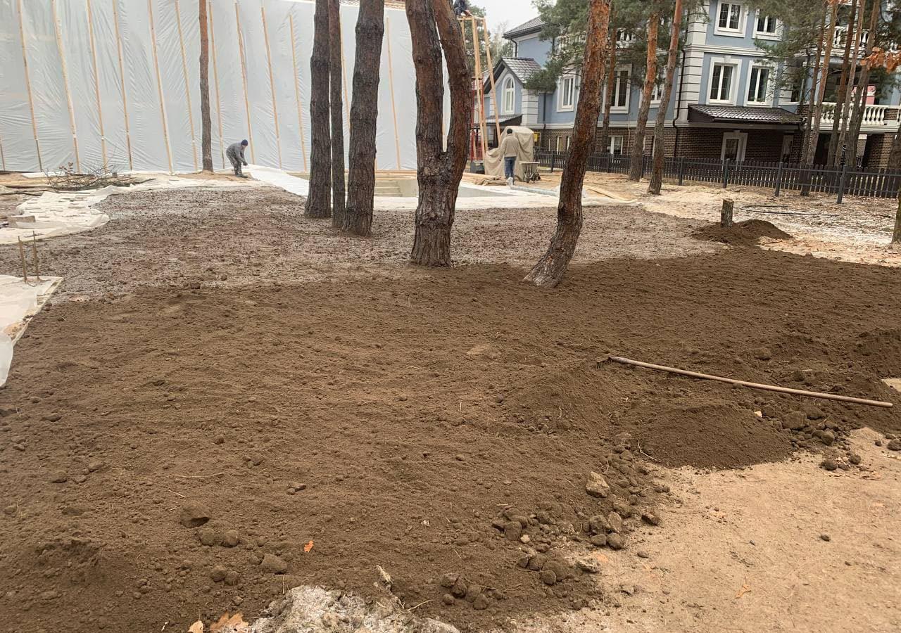Земляные работы: разравнивание грунта